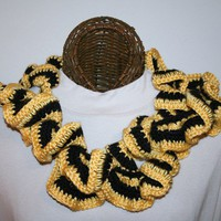 Ruffled Scarf Black Gold Team Spirit