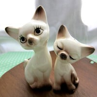 Sweet Vintage Siamese Kitties Salt and Pepper Shakers by retromeow