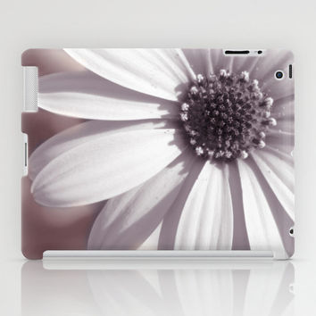 Valentine's Day Gift HIGH QUALITY iPad Mini and iPad (2nd, 3rd, 4th Gen) CASE - White Daisy Floral Tablet Cases and Skins