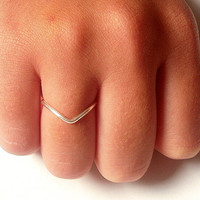 1 Chevron  Ring - Silver Chevron  Ring -  Wire Chevron Ring - Delicate jewelry - Everyday Ring by Little Me's