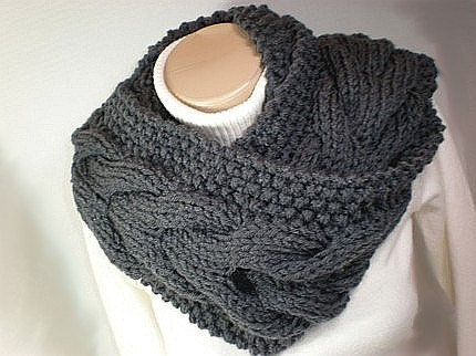 Attractive Knitted Snood Pattern Illustration Knitting Pattern
