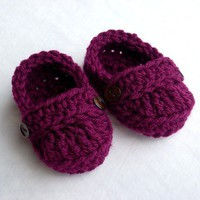 0 to 3 Months Baby Loafer Booties crocheted by handmadebabylove