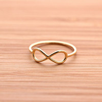 simple ININITY ring, in gold