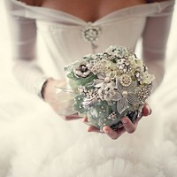 Heirloom Jewelry Wedding Bouquets by Noaki: Like Flowers, But Forever! | Houston Wedding Blog