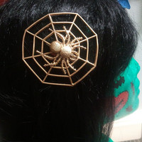 Gold Spider On Spiderweb Clip