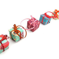 Christmas Present Decorations, Set Of Five Tree Gifts, Nature