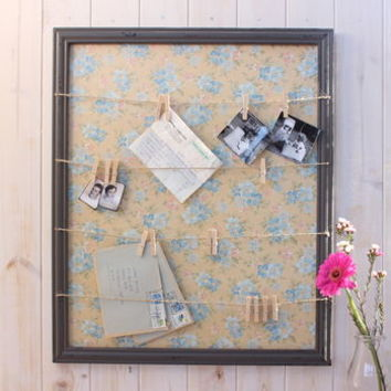 Vintage Style Floral Memo Board With Pegs