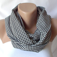 Black and white houndstooth Infinity Scarf loop handmade from  linen