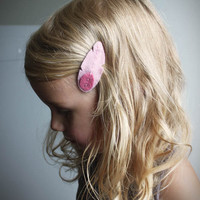 Feather Hair Clip Set in Pink Hair clips by paperdollaccessories