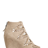 DailyLook: Dolce Vita Shandy Wedges in Taupe 9 - 10