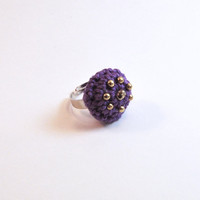 Crochet ring with golden beads. Violet ring. Adjustable ring