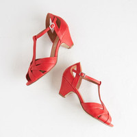 Chelsea Crew Vintage Inspired Architectural Tour Heel in Coral