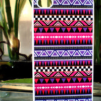 IPhone 4 / 4S Fuchsia / Purple Trib.. on Luulla