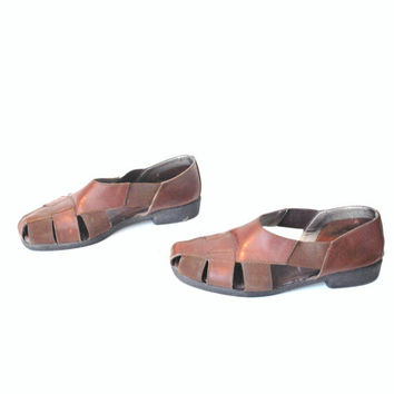 size 7.5 brown leather HUARACHES vintage 80s boho CUSHIONED sole elastic FLATS closed toe sandals