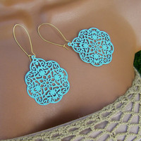 Seafoam Aqua Mint Earrings. Pastel Blue filigree Earrings. Crochet inspired.