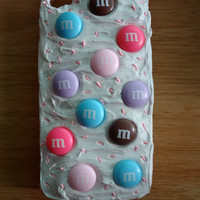 M&amp;M Decoden iphone 4 Case with Pink Sprinkles Throughout.  Looks Like Dessert