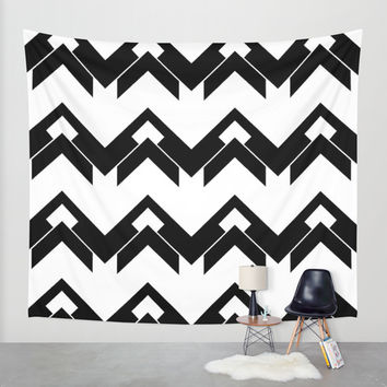 chevron pattern in black and white Wall Tapestry by VanessaGF