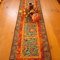 Pine Cones And Acorns Table Runner on Luulla