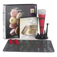 Mastrad 12 pc. Coffret Macarons/ Macaroon Gift Baking Set with Recipe Book -NEW!