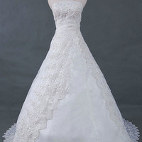 A-line/Princess Strapless Chapel Train Satin Tulle Wedding Dresses With Lace Beading Free Shipping