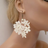Pansy lace earrings ivory