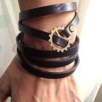 Steampunk Bracelet -5 Circles Black Leather Wrap Bracelet  Adjustable With Gears Galore Steampunk Bracelet