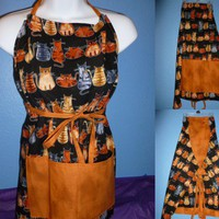 Cats Apron Reversible Pockets Tan on Black
