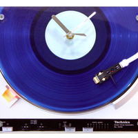 Dorm Clock : Retro Blue Record Player Clock