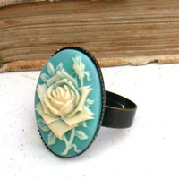 Romantic Rose Flower Ring by roomofyourown on Etsy