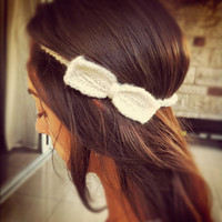 crochet bow headband in cream