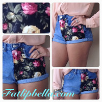 vintage highwaist or low rise floral print classy shorts.