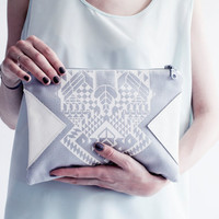 Geometrical Illusion Printed  Leather Pouch  White No. ZP-204
