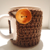brown coffee mug cozy with rustic wood button