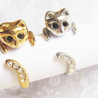 SALE - Buy 1 get 1 Free - Beautiful Cat Rings with black/white crystals.