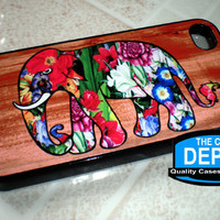 Colorful Floral Elephant Wood Backg.. on Luulla