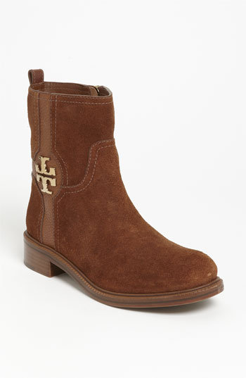 Shop a great selection of Tory Burch Women's Boots & Booties at Nordstrom Rack. Find designer Tory Burch Women's Boots & Booties up to 70% off and get free shipping on orders over $