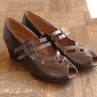 vintage NOS 1940s shoes / 40s brown leather mary janes / size 10