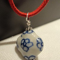 Fine Porcelane and Red Suede Leather Necklace