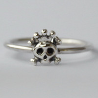 Tiny Skull w crown stacking Ring , Sweet petit sterling silver ring