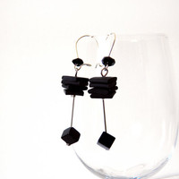 Black earrings onyx cube and flat rubber squares, geometric