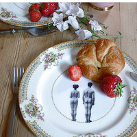 Upcycled Models Design Vintage Plate