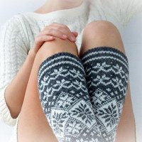 Knit leg warmers with christmas snowflake ornament, made of wool