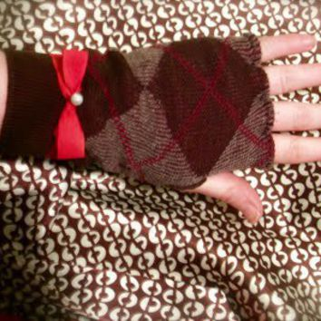 ~Ruffles And Stuff~: Tutorial-Fingerless gloves....from socks!