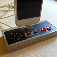 iPhone 5 Dock - Nintendo Controller Docking Station