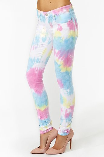Crumple Tie-Dye Jeans - turn white jeans into wow with this crumple tie dye technique Find this Pin and more on FABRIC DYEING | TIE DYE | by Carmen Teresa. The Official Store for Tulip Tie-dye Products.