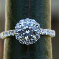 Diamond Engagement Ring  -14K white gold - 1.35 carat - Round - Flower Halo