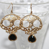 Golden filigree Skull and Black Drop Earrings, Beautiful Large Skull Goth Earrings , Black Gold Skull Earrings, Gift for Teen Girlfriend