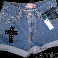 "27"" Vintage high waisted LEVIS 550 Denim Shorts with a black Cross"