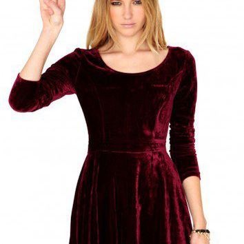Missguided - Maalika Long Sleeve Velvet Skater Dress In Burgundy