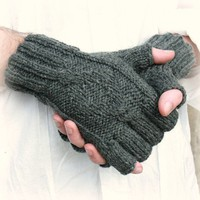 Men&#x27;s fingerless gloves Town by socksandmittens on Etsy